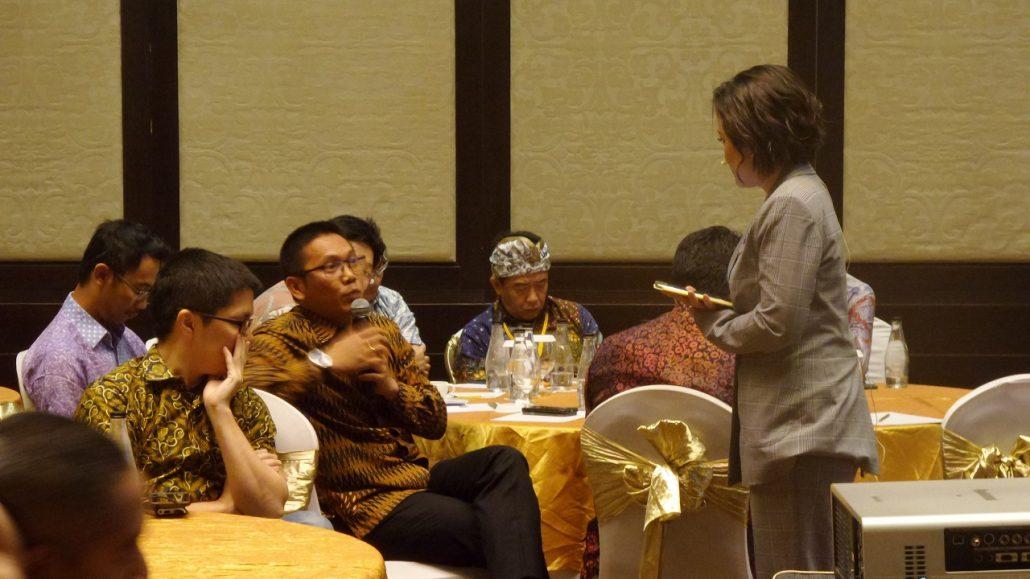 "CEO & Founder FINTAG Tumbur Pardede bersama Kania Sutisnawati dalam acara CEO SUMMIT ""Coaching Clinic"" di Trans Resort Hotel, Bali"