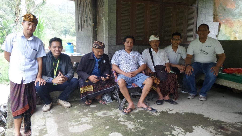 Tim Business Development FINTAG berfoto bersama Pengurus Kelompok Pembudidaya Ikan Mirna Tirta Sari, Bangli, Bali