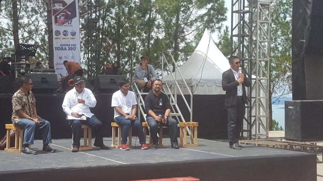 Founder Fintag Tumbur Pardede Pembicara Di Coffee Fest Toba 2017